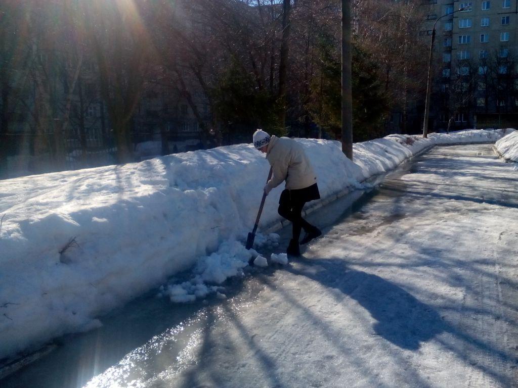 Купить лопату для уборки снега в иркутске